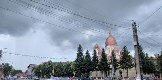 Alesd-Biserica-ploaie