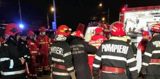 Muncitori salvaţi de pompieri într-un exerciţiu al ISU Crişana în această seară la Oradea
