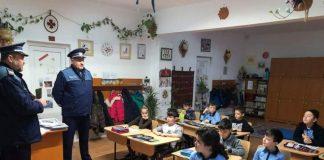 Poliția Orașului Aleșd în școli-1