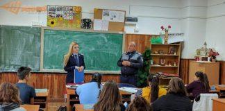 poliția orașului Aleșd in școli