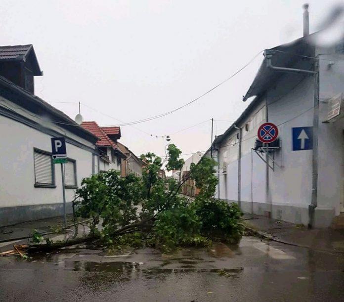 Rupere de nori în Oradea 13.06.2018. ~2-800x702