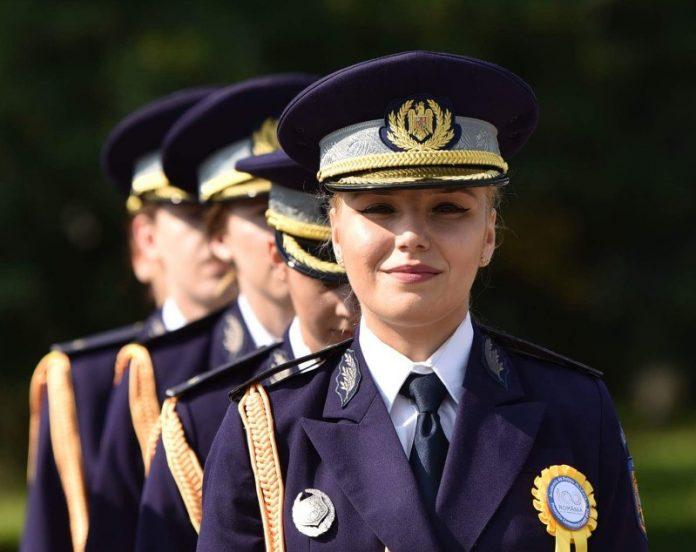 40 DE ABSOLVENȚI AI ȘCOLILOR MAI S-AU ALĂTURAT POLIȚIȘTILOR DE IMIGRĂRI ~2-800x634