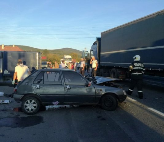 Accident între un tir şi o maşină, pe DN1 la Borod~2-800x600