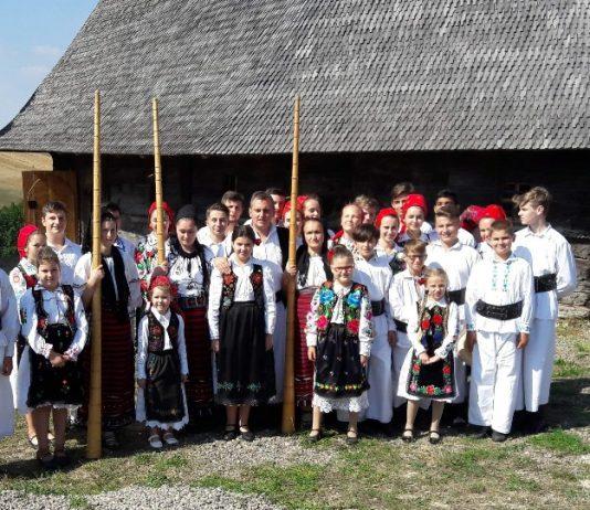 Biserica de lemn din Hotar (comuna Țețchea, județul Bihor)~2-800x541