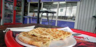 plăcintă tradițională țărănească La Strada-800x450