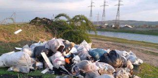 gunoaie menajere abandonate de cetățeni la Aleșd