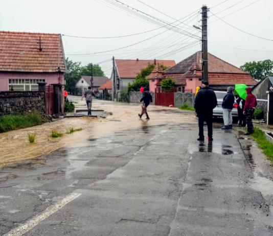 inundați la Josani