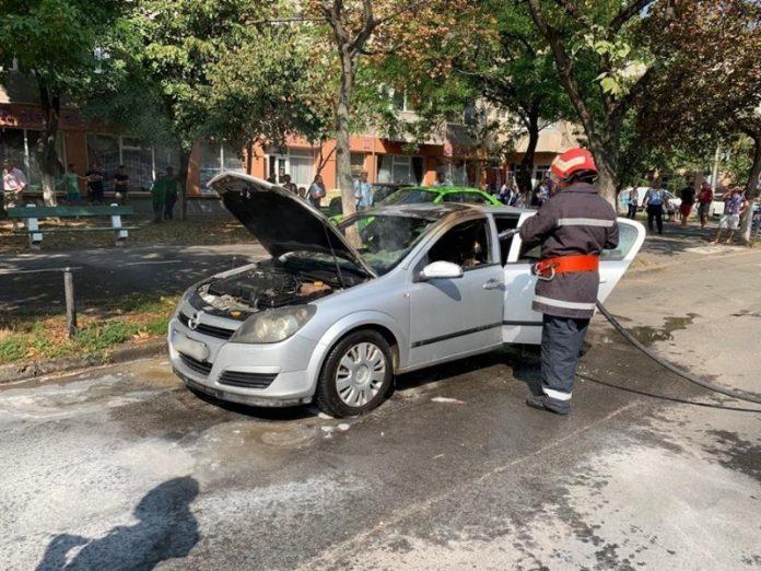 incendiu autoturism