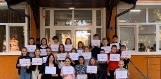 """elevii Liceului Teoretic ,,Constantin Şerban"""" din Aleşd"""