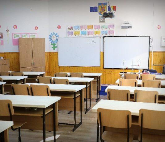 dotări școală Aleșd