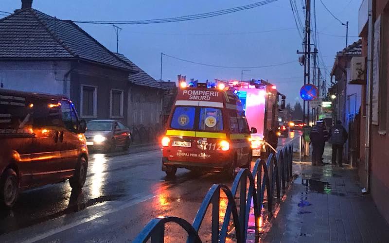 Incendiu în curtea unei case din Aleșd