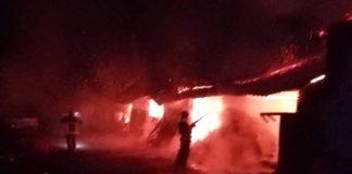 Casă cuprinsă de flăcări la Uileacu de Criș