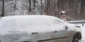 Mașina lăsate pe butuci între Aleșd și Pădurea Neagră