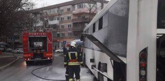 Incendiu la un autobuz în Oradea