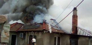 Incendiu violent la o gospodărie din Oșorhei