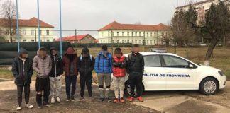 Opt tineri din Afganistan, opriţi la frontiera cu Ungaria