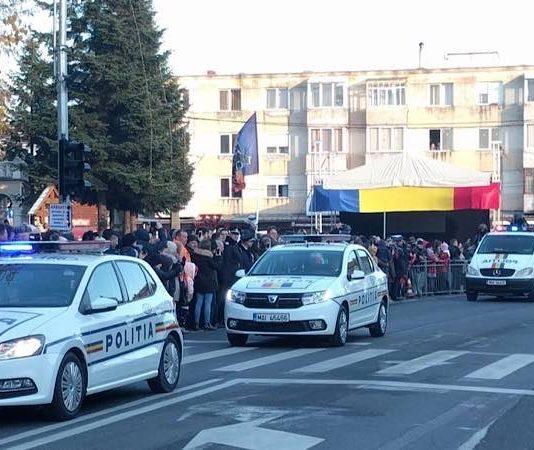 Mașini poliție în Aleșd