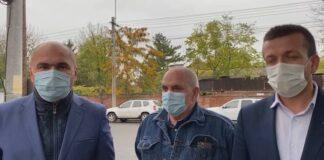 Ilie Bolojan, primarul Oradiei, Florin Birta și coordonatorul spitatelor din Bihor, dr. Gheorghe Carp