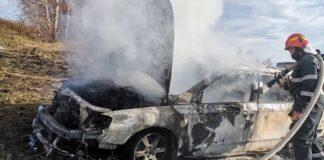 Mașină cuprinsă de flăcări în Șerani