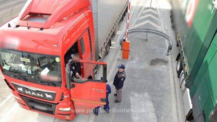 Camioane în vama Borș