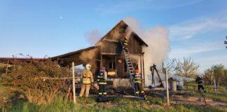 Incendiu violent la o casă din Săldăbagiu de Munte
