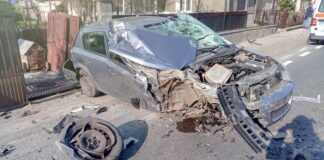 Accident în Tinăud