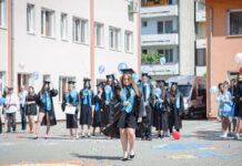 Festivitatea de absolvire a liceului la Colegiul Tehnic ,,Alexandru Romanˮ din Aleșd
