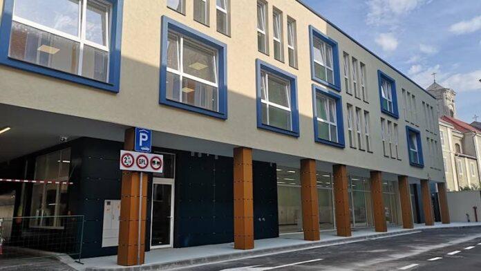 Parcarea etajată de pe strada George Bariţiu din Oradea