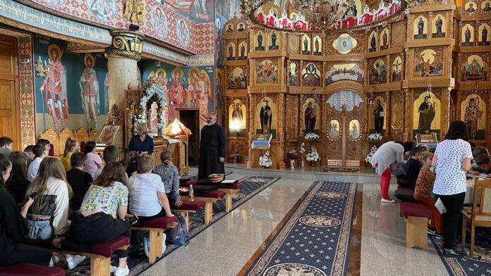 """Biserica """"Nașterea Sfântului Ioan Botezătorul"""" din Aleșd"""