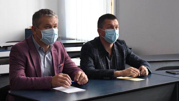 Mircea Mălan, vicepreședinte al Consiliului Județean Bihor și președinte al ADI Ecolect,șiHorea Abrudan, inspectorșcolargeneral în cadrul ISJ Bihor